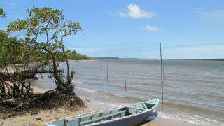 Bateau près de Baia da Traição au Brésil