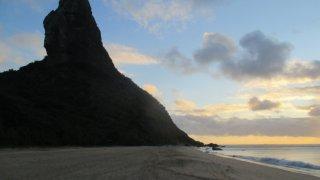 Praia Conseicao sur l'ile de Fernando de Noronha au Brésil