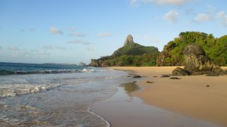 Praia da Cacimba do padre à Fernando de Noronha au Brésil