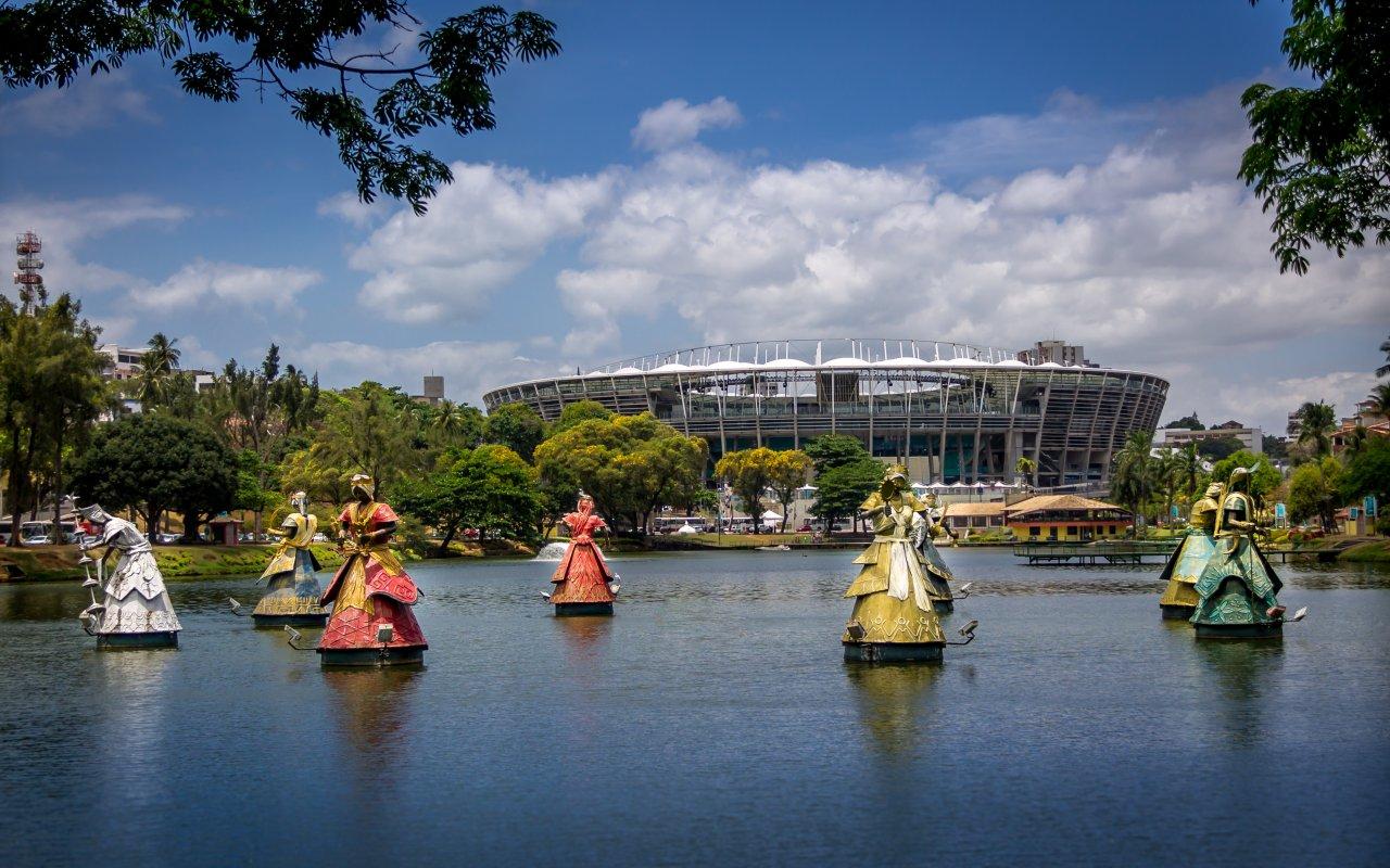Orixas dans le lac de Salvador de Bahia dans le Nordeste au Brésil