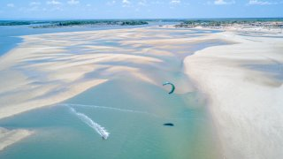 Faire du kitesurf au Brésil