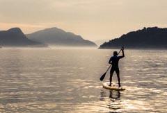 Faire du paddle au Brésil