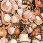 Chapeaux, souvenirs à ramener d'un voyage dans le Nordeste au Brésil
